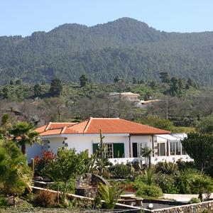 View over the holiday house Casa Alina, on the Finca Luna Baila, on the Birigoyo