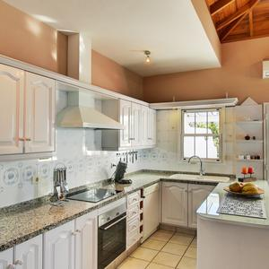 open kitchen concept in the Casa de las Estrellas